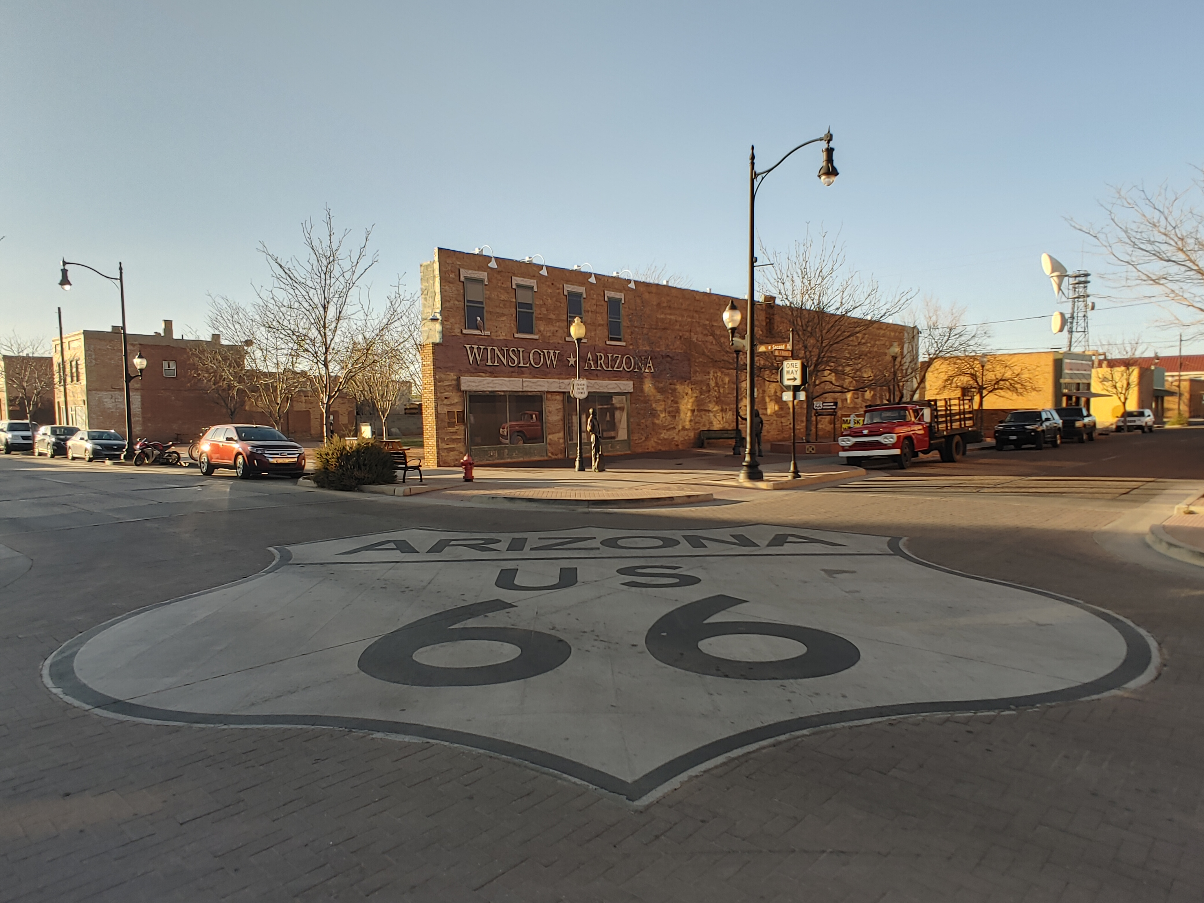 A family friendly journey along route 66 is the ultimate road trip for any family! Learn about the history and culture while having a blast!  #route66 #familyfriendly