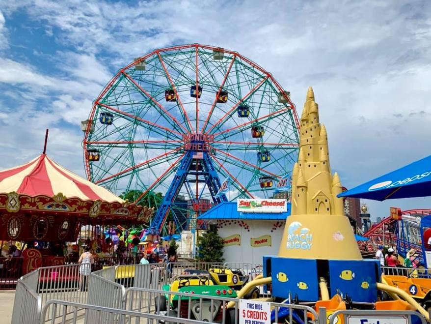 wonder wheel, visiting coney island with kids