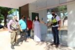 Prefeita Rhaiza Matos ao inaugurar e entregar os abrigos para mototaxistas de Naviraí (11)