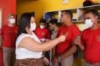 Prefeita Rhaiza Matos, vereadores Ricck e Regivan, e gerentes municipais participaram da vacinação de policiais civis, militares e bombeiros de Naviraí (23)