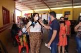 Prefeita Rhaiza Matos, vereadores Ricck e Regivan, e gerentes municipais participaram da vacinação de policiais civis, militares e bombeiros de Naviraí (57)