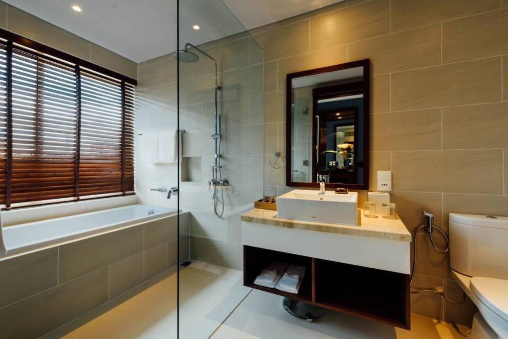 Thi công phòng tắm villa