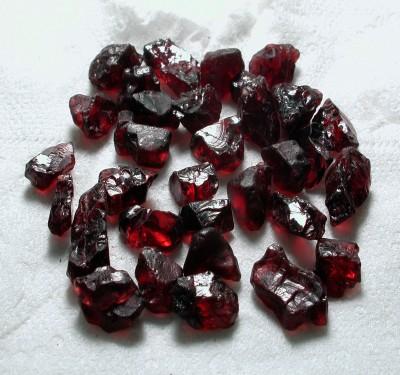Garnet Rough Gems For Commerical And Gem Quality