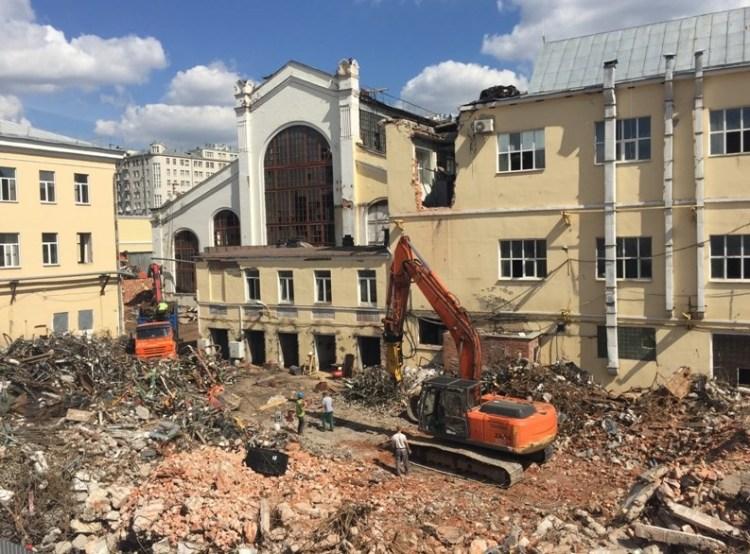 Аренда техники для сноса зданий в компании «Техно-Диггер»