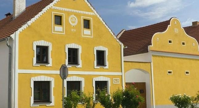 Фасадная лепнина - идеальное решение для украшения зданий