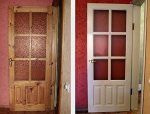 Старая деревянная входная дверь до и после реставрации