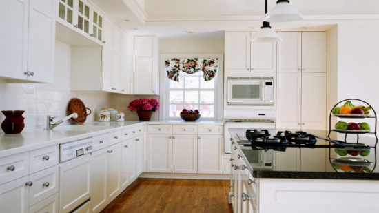 Очарование белой кухни. Фото