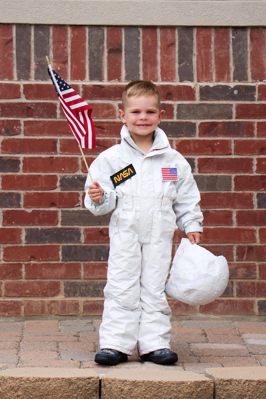 DIY Astronaut Costume  sc 1 st  Navy Berlin & DIY Astronaut Costume - Navy Berlin