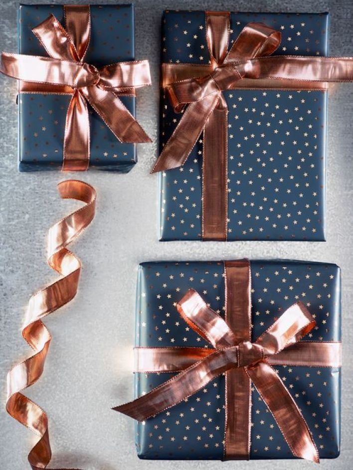 gift wrapping 3 .jpg