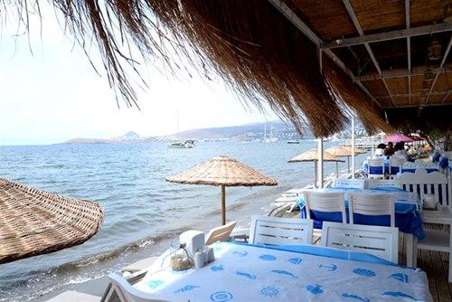 Bodrum -Taşev-Suites-denize-sifir-yemek