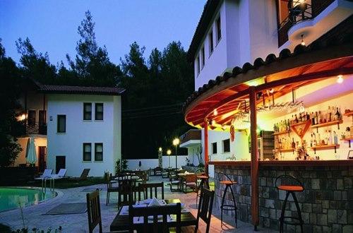 Forest-Gate-Hotel-cafe