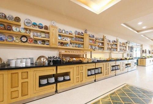 Loceanica-Beach-Resort-yemek-salonu