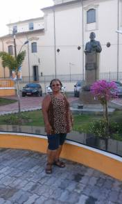 Praça de Nazaré - 2016 - dona Tãnia na foto