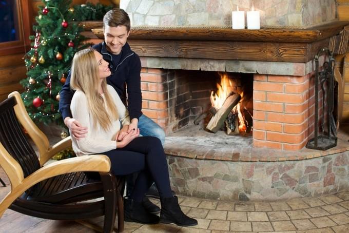 クリスマスは家で過ごす恋人