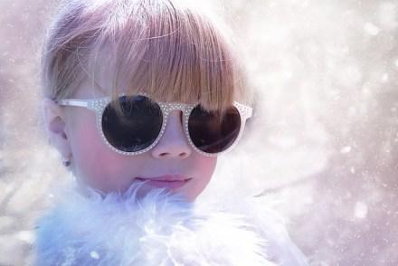 雪の中の子ども