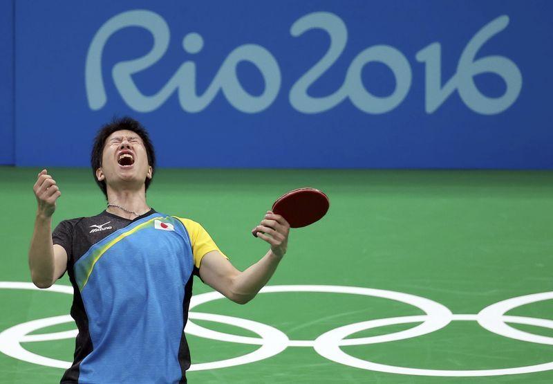 8月11日、リオデジャネイロ五輪、卓球の男子シングルスで水谷隼が銅メダルに輝き、卓球の個人種目では男女通じて日本人初のメダル獲得(2016年 ロイター/Gonzalo Fuentes)