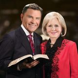 Kenneth Copeland and Gloria picture