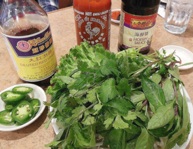 Photo3. PHO GARNISHMENTS & SAUCES