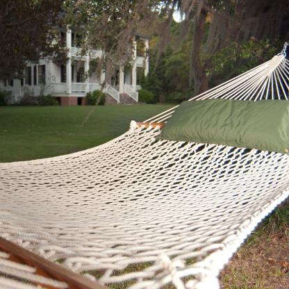 15op-pawleys-presidential-polyester-hammock-lifestyle-xx.jpg