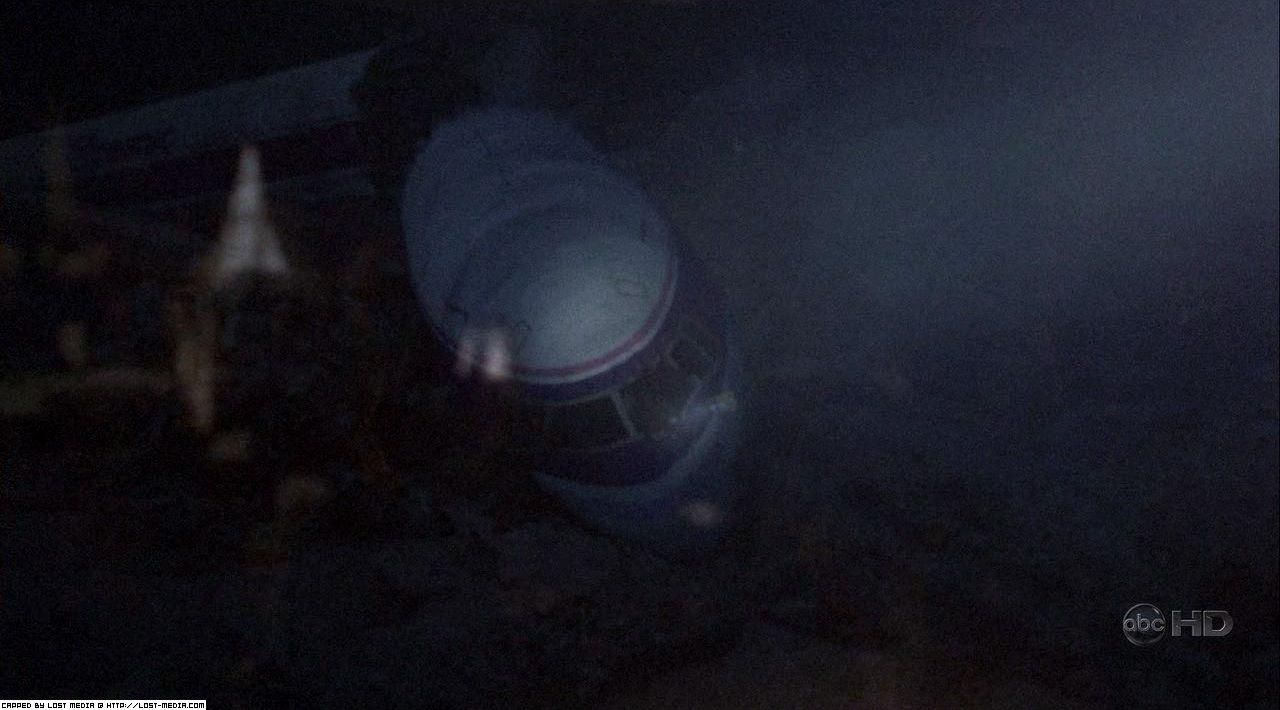 402-plane-wreckage-01