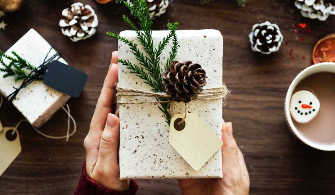 8 Easy Ways Your Business Can Stand Out This Holiday Season