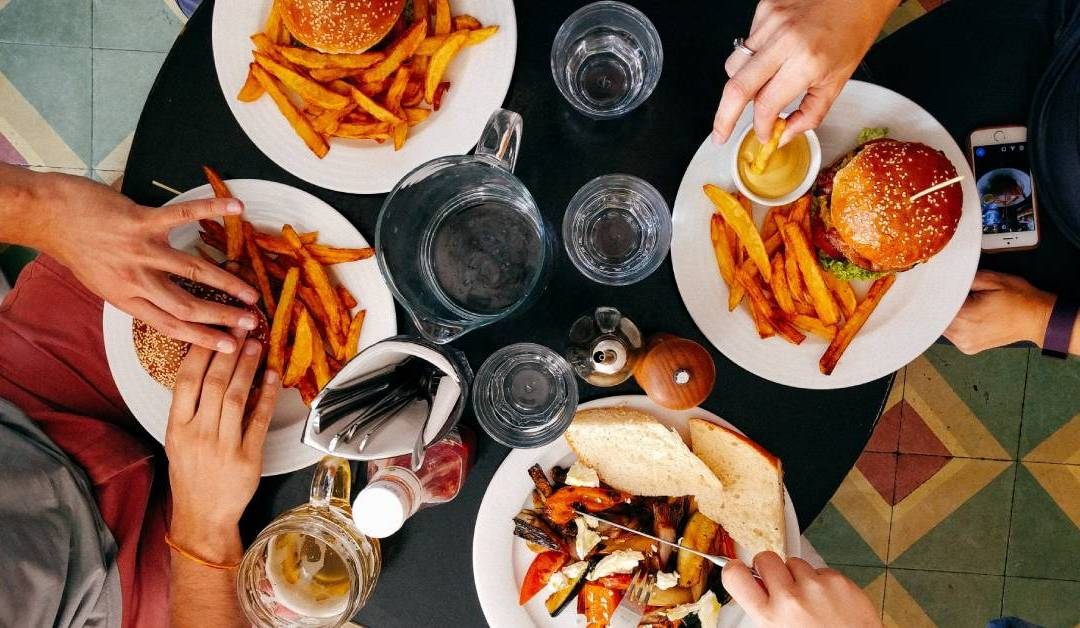 """Restaurant Business: """"4 New Ways To Attract Families To Your Restaurant"""""""