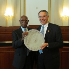 William E. Bennett presents the Honorable Rush Holt with his 2014 Bennett Award for Extraordinary Contributions to Citizen Science.