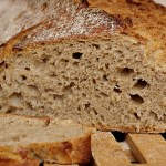 traaf/Flickr Bread made with wheat contains gluten.