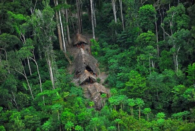 As 10 tribos mais isoladas do mundo