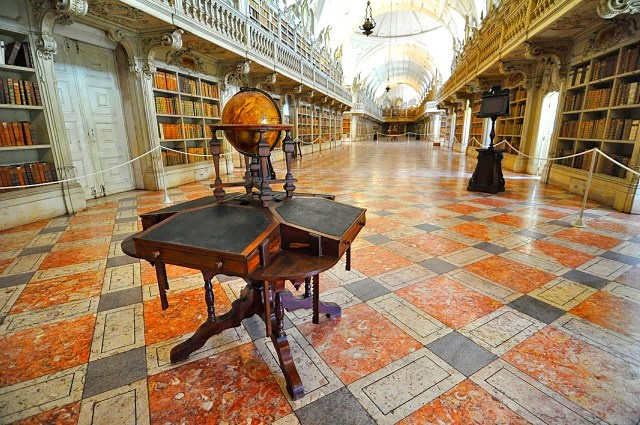 As 5 bibliotecas mais bonitas de Portugal