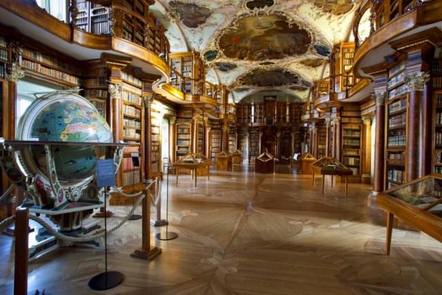Biblioteca da Abadia de St. Gallen, Suíça