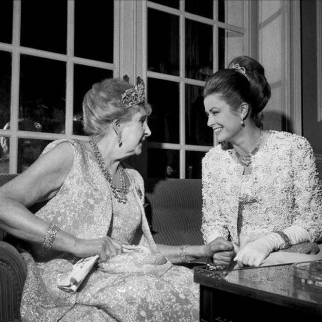 Grace Kelly e Rainha Vitória