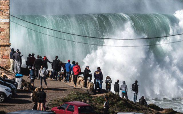 as ondas gigantes na Nazaré