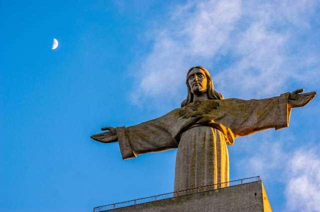 Cristo Rei, 58 anos a abraçar Lisboa