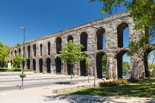 Os Aquedutos e Arcos mais bonitos do mundo (3 são portugueses)