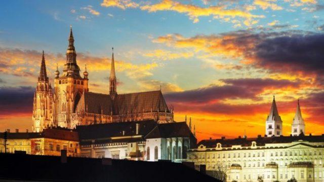 Castelo de Praga - 30 Lugares Famosos do Mundo