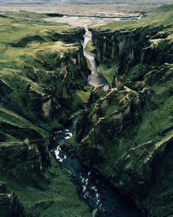 Canyon Fjaðrárgljúfur, Islândia