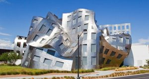 20 fascinantes edifícios que desafiam as leis da física