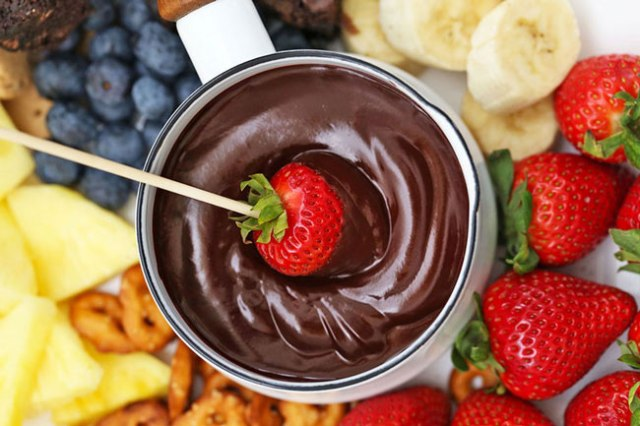 sobremesas e bolo de chocolate