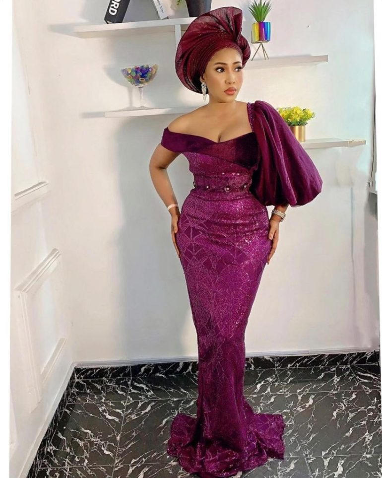 asoebi styles off the shoulder with extra sleeve