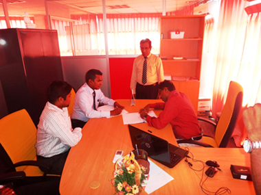 NDES alumni MOU sign with sei campus (2)