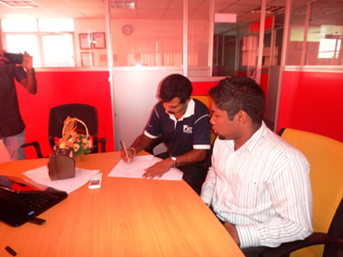 NDES alumni MOU sign with sei campus (3)