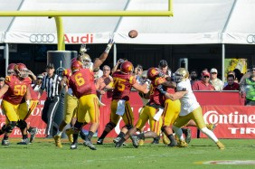 Trojans quarterback Cody Kessler throws a touchdown. Kevin Song   The Observer.