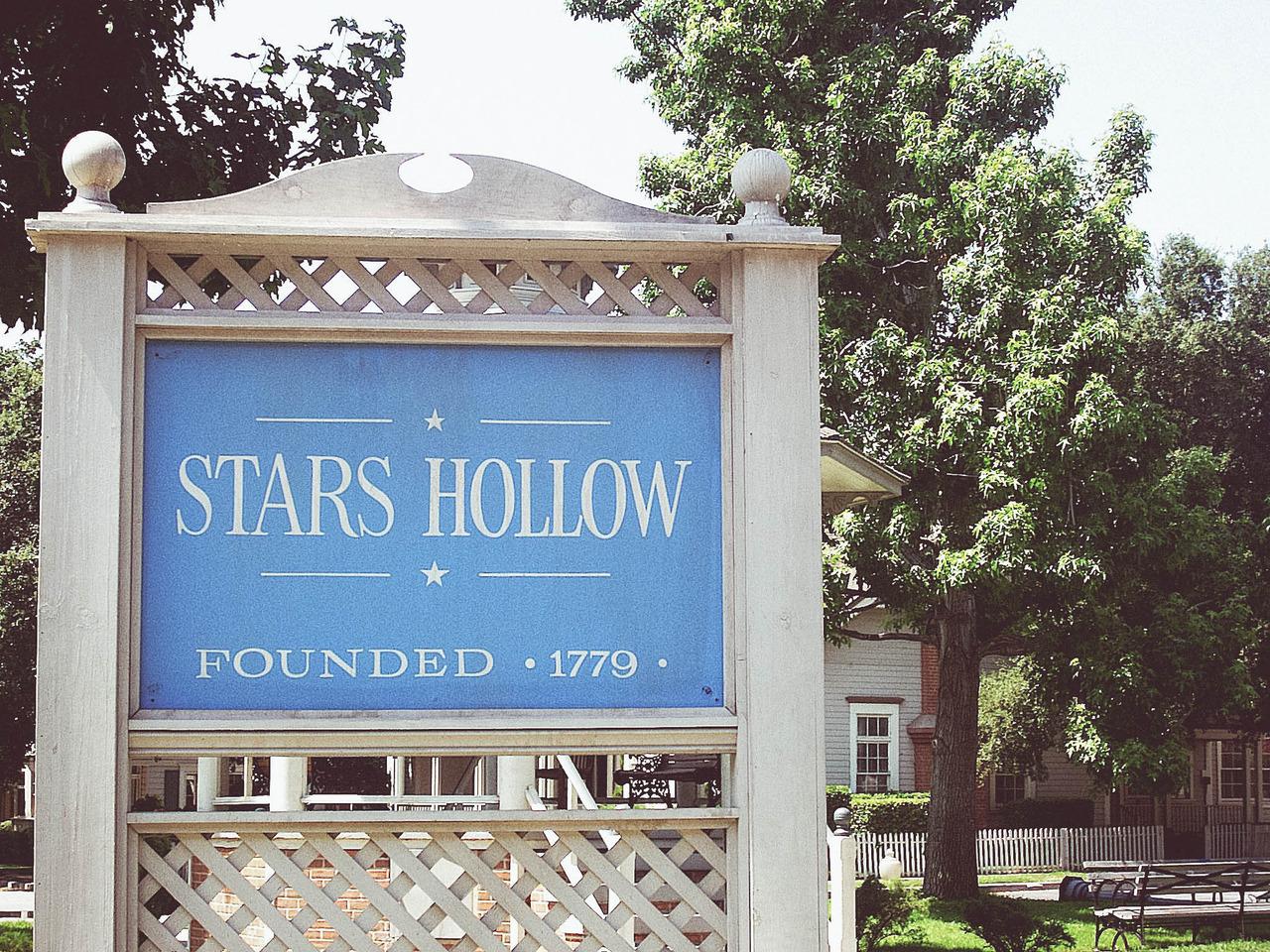 https://i2.wp.com/ndsuspectrum.com/wp-content/uploads/2016/10/Stars-Hollow_Sierra-Shupe.jpg