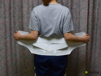 腰痛予防コルセット着け方2