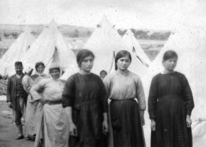 Refugees escaping the war had to live in tents in the severe weather conditions.