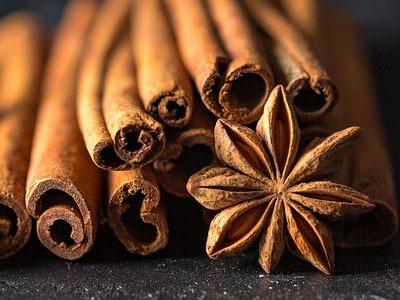 Aceite esencial de canela: Cinnamomum cassia Essential Oil