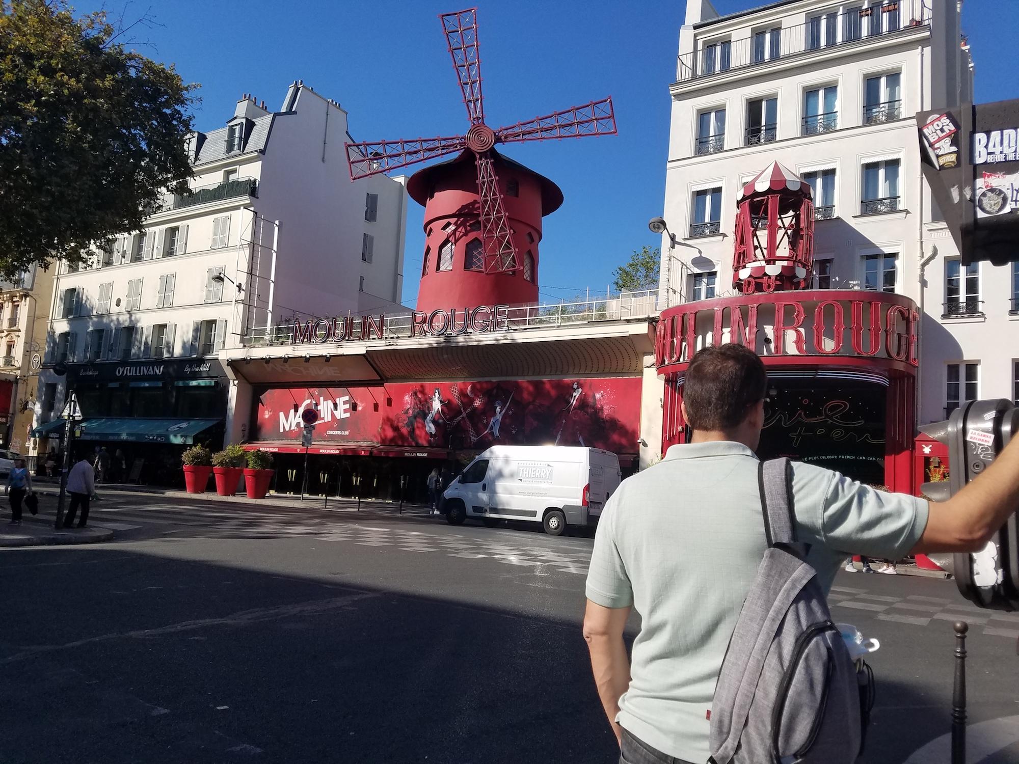 neatpack sling bag Moulin Rouge