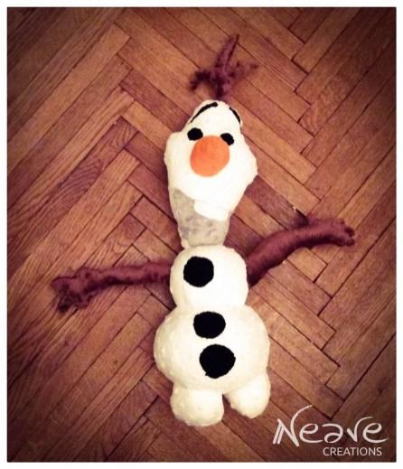 Olaf finalny z guzikami@ NeaveCreations 2015