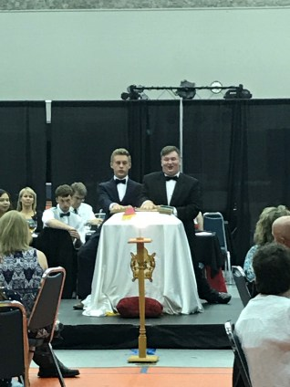 Jacob Leeper (right) and Jonathan Moats take their obligations as State Demolay Sr and Jr Councillors.